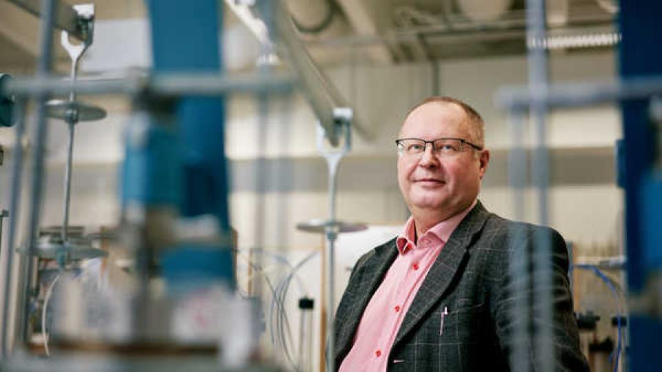 Väylä-ja tieliikennetekniikan professori Pekka Leviäkangas