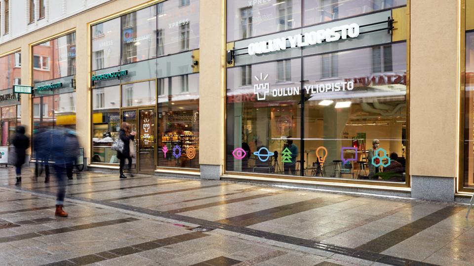 Oulun yliopiston pop-up-tila osoitteessa Kauppurienkatu 12, Oulu on avoinna helmi-huhtikuussa 2021.