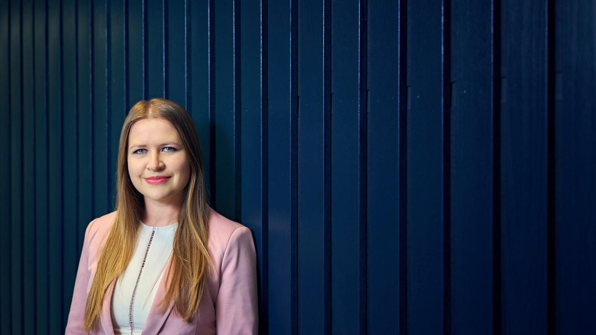 Henkilöpotretissa Alexandra Middleton, Oulun yliopiston kauppakorkeakoulun apulaisprofessori