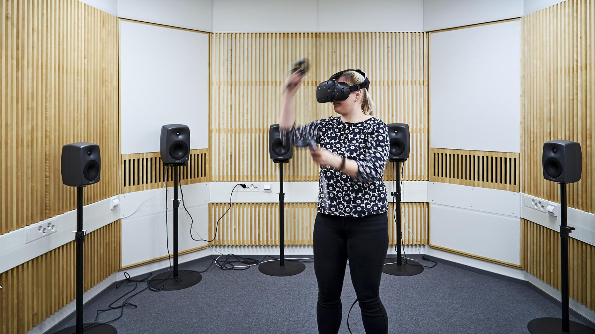 Oulun yliopiston LeaF-infrastruktuuri mahdollistaa mm. virtuaalisten kokemusten tutkimisen.