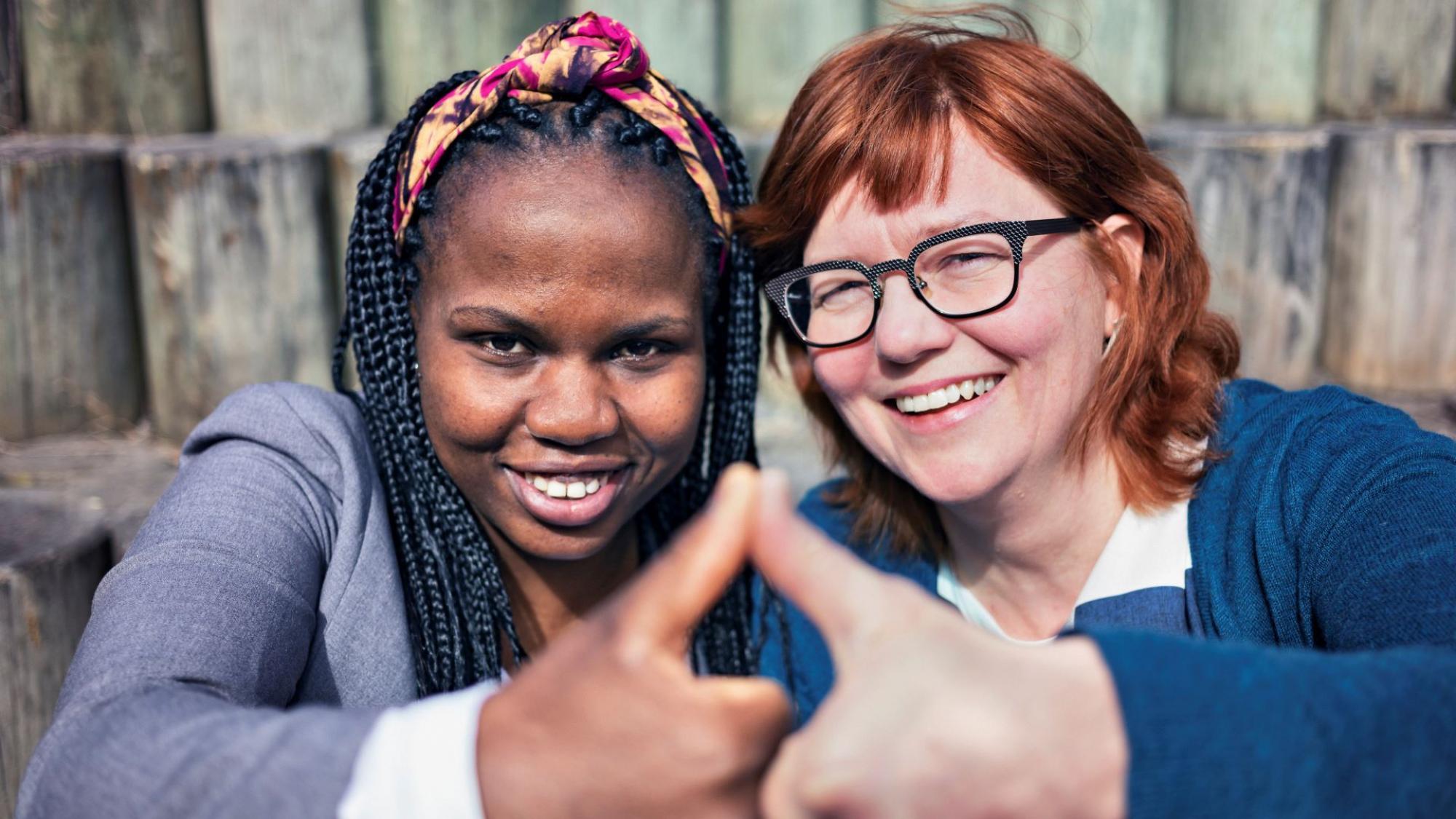 Mentori Anne Pudas ja aktori Milka Njoroge osallistuivat Oulun yliopiston mentorointiohjelmaan